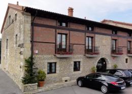 SANTILLANA HOTEL (11)